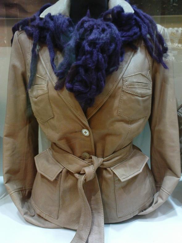 BATA przepiękna skórzana kurtka jak NOWA...