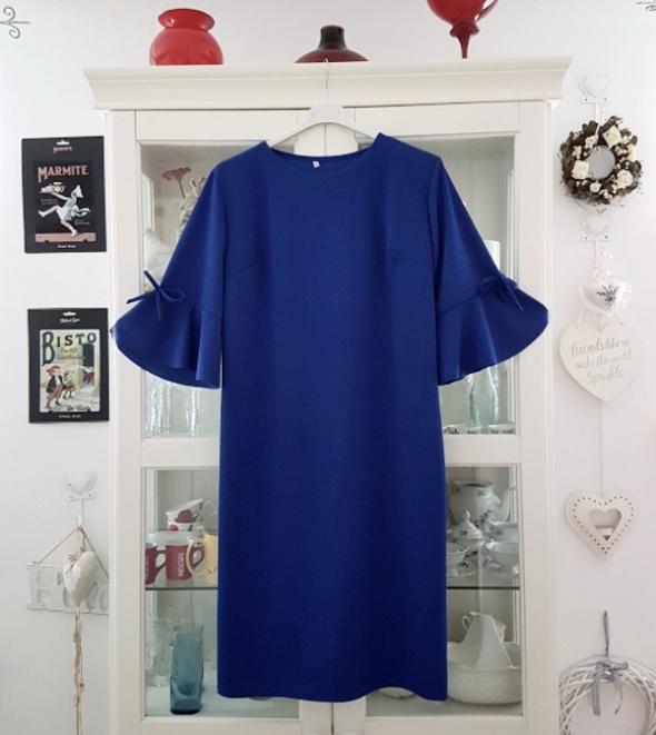 Kobaltowa sukienka roz 50