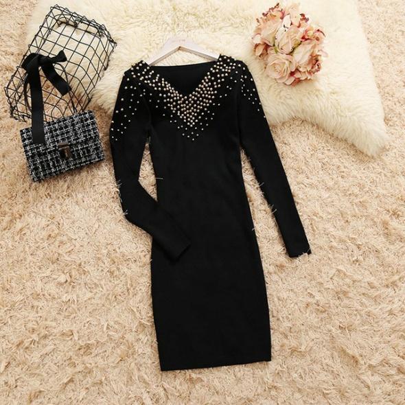 Sukienka czarna perełki uniwersalna