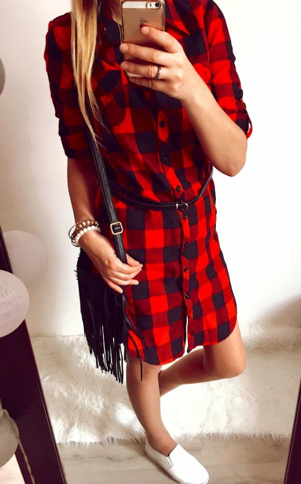 Sukienka Damska w czerwoną kratkę M