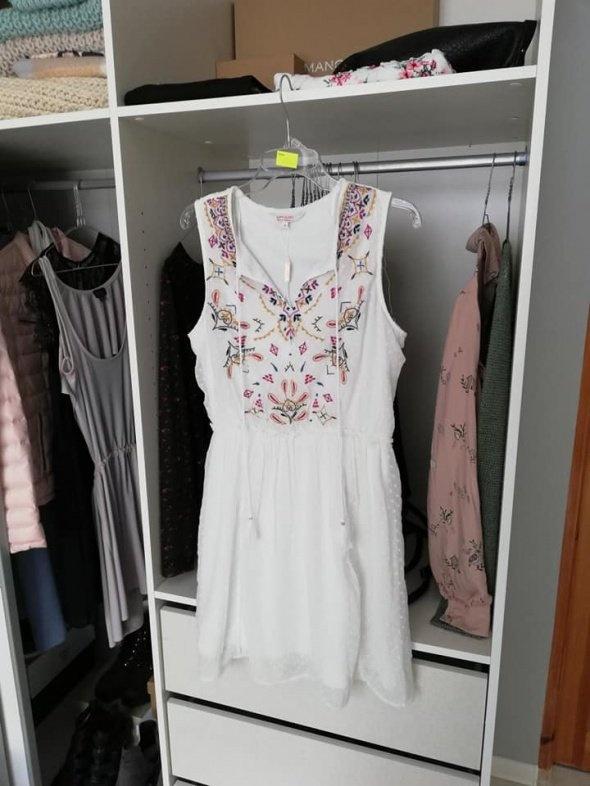 C&A nowa sukienka z haftem boho...