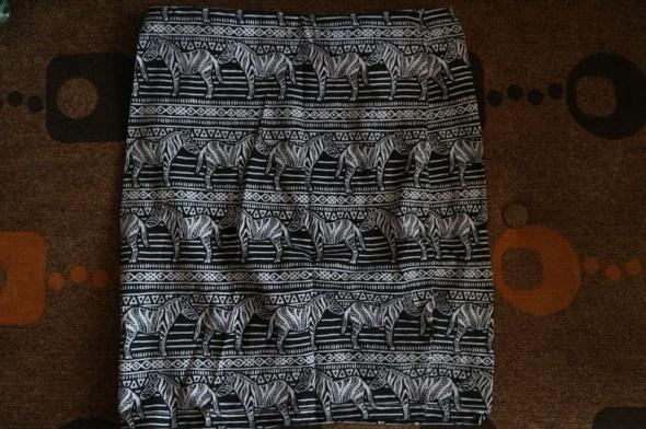 Spódniczka mini w zebry New Look XS