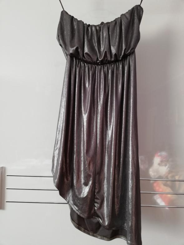 Ciemnosrebrna sukienka