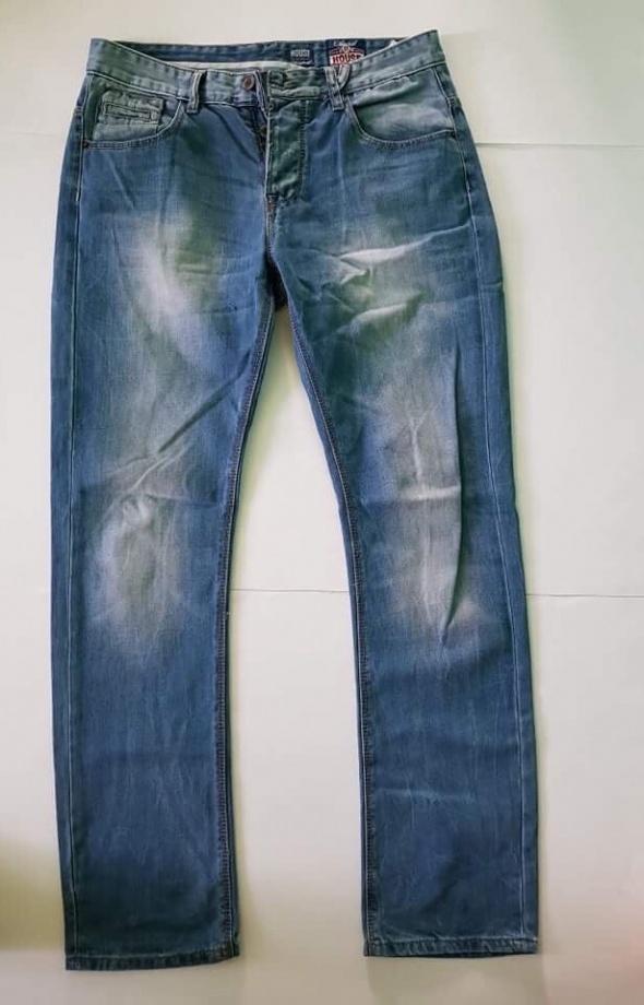 jeansy house W32L32