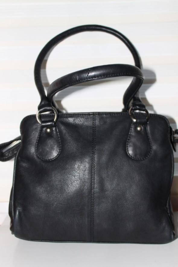 czarna pojemna torebka CLARKS