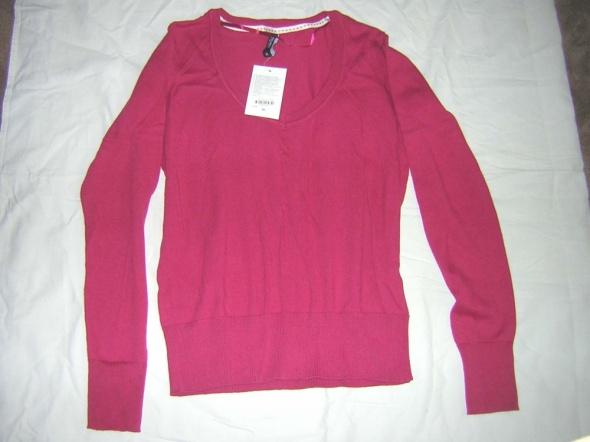 Bluzka sweterkowa w kolorze żurawinowym...