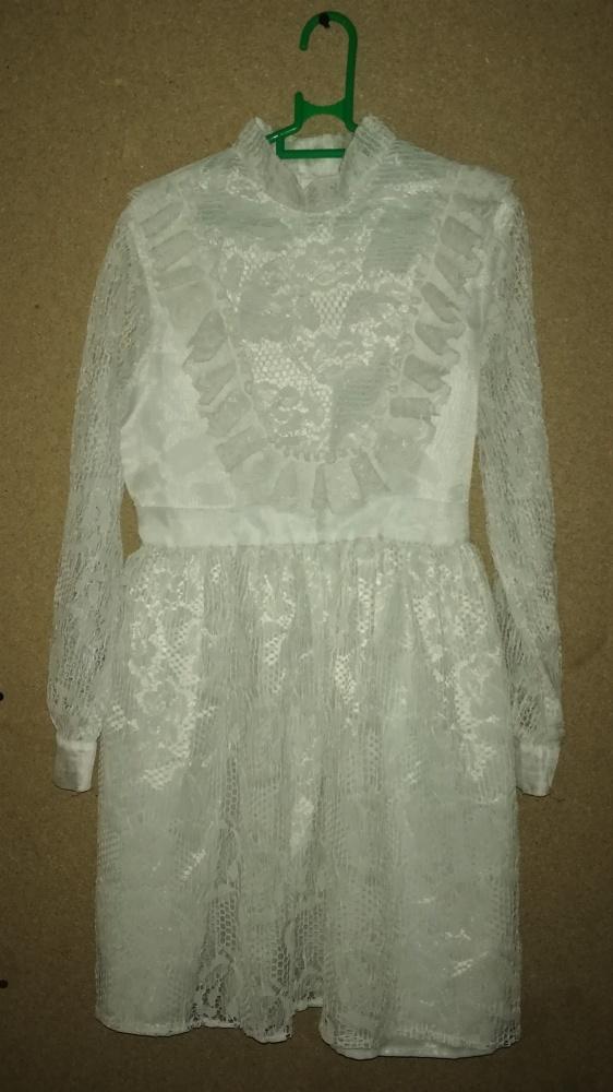 Biała koronkowa sukienka vintage retro 128 134 cm