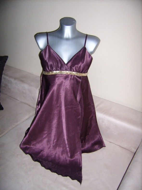 Satynowa sukienka SELECT nowa 38...