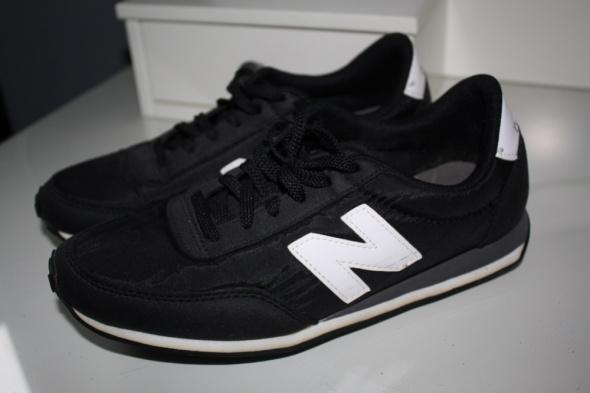 New Balance 410 czarne z białą N buty sportowe...