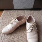 Beżowe buty oxfordy Atmosphere 38