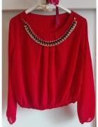 Czerwona koszula mgiełka złoty łańcuszek biżuteria żywo czerwon...