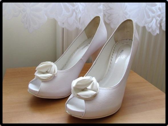 Białe buty ślubne platformy 39 czółenka na szpilce