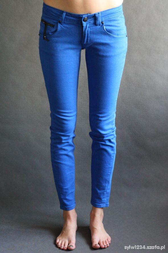 Niebieskie Obcisłe Jeansy...