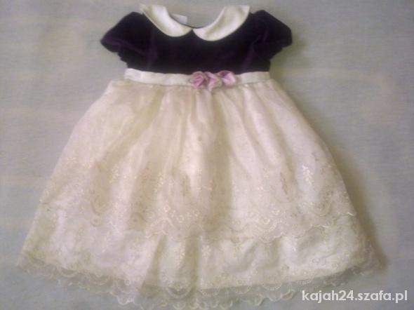 Śliczna sukieneczka