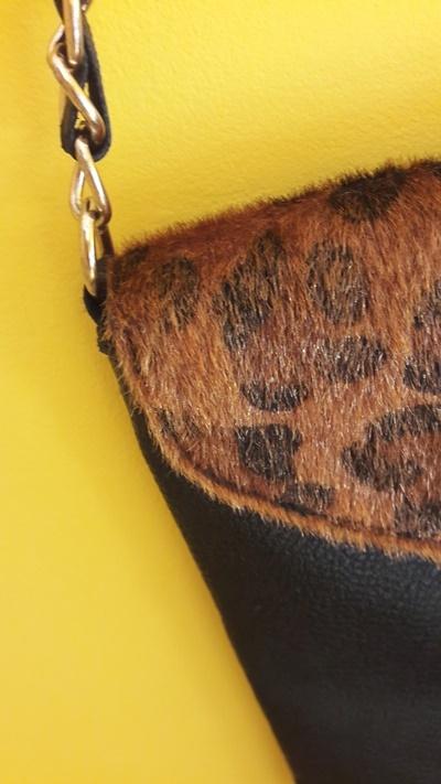 Kopertówka torebka na łańcuszku w panterkowy wzór