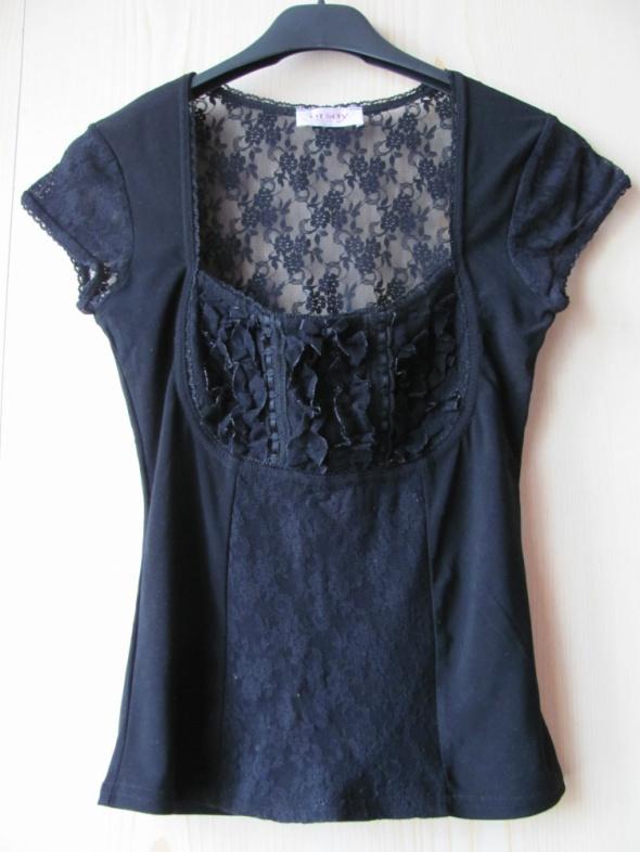 Czarna bluzeczka goth z koronką...