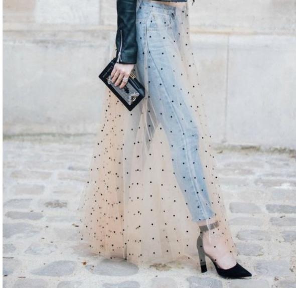 Transparentna spódnica