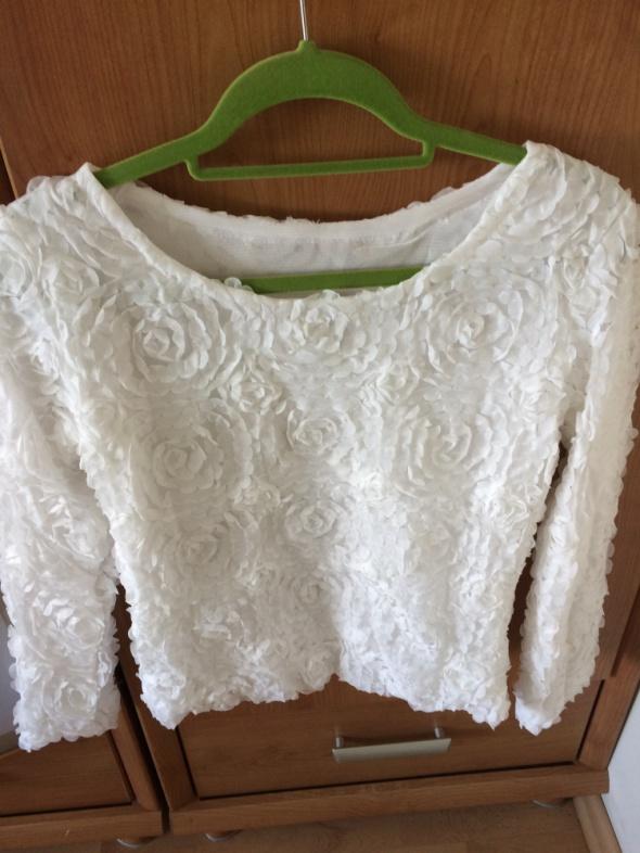Biała bluzka róże 3D