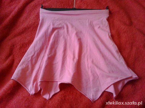 Różowa asymetryczna mini 38...