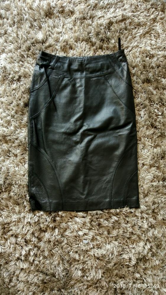 Spódnice 100 skórzana spódnica przed kolano S