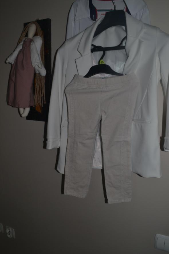 Spodnie rurki Gap beżowe 110cm 3 4 latka...