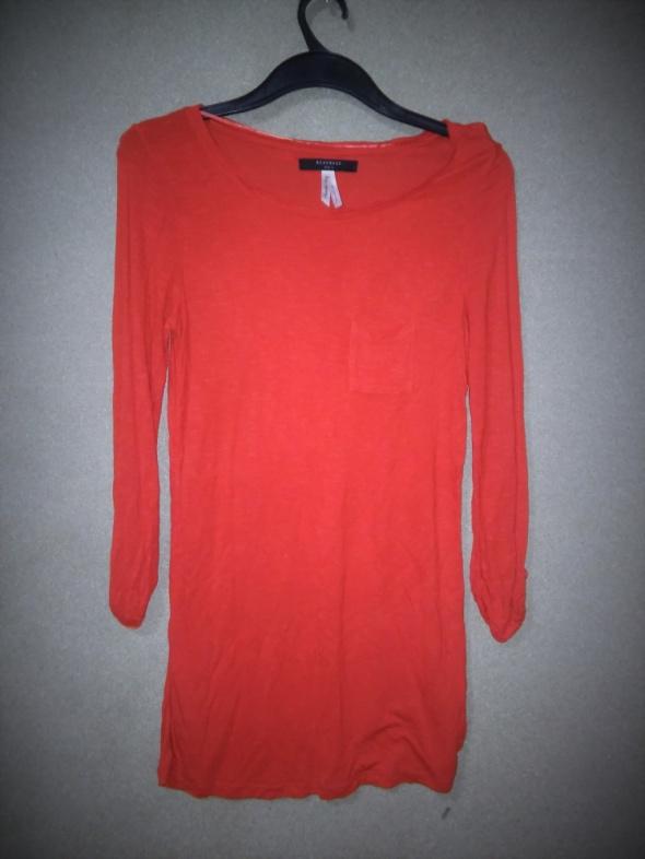 Czerwona elastyczna tunika Reserved 40
