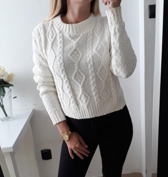 Sweter biały warkocz cieply zima M