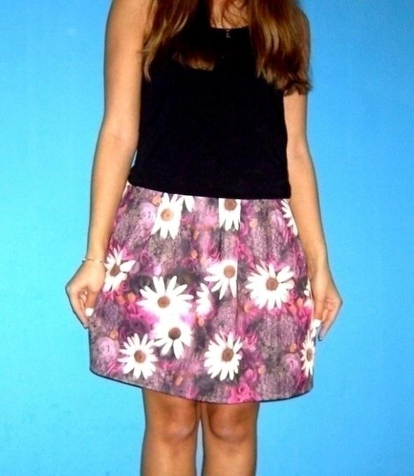 kwiaty floral rozkloszowana spódnica