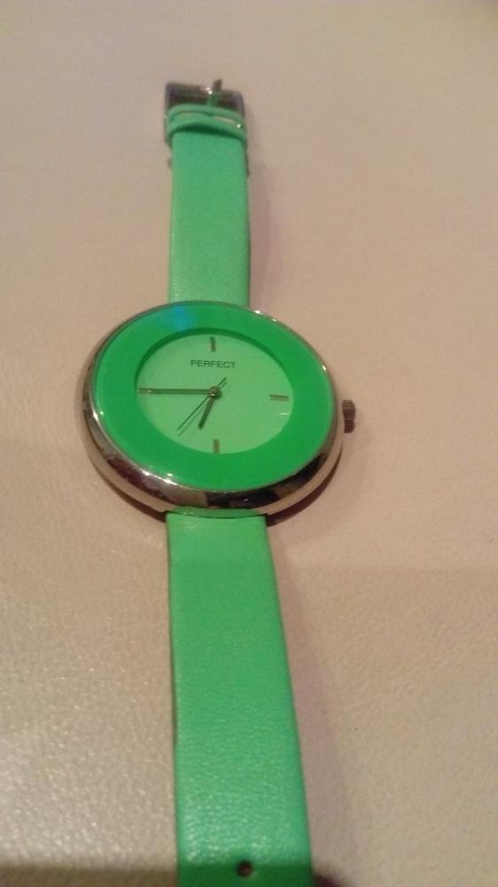 Modny zegarek PERFECK