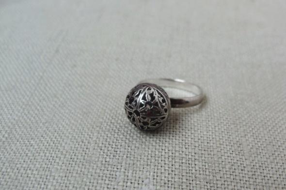 Pierścionek srebrny kulka