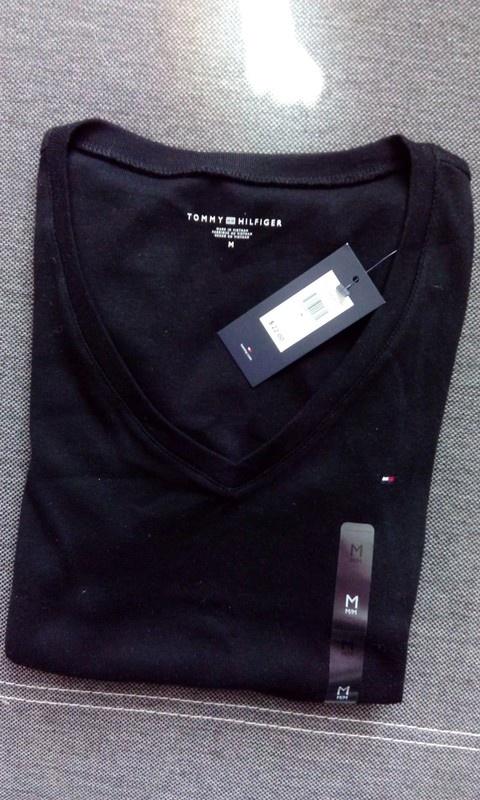 adadff651ee13 Bluzki T shirt koszulka Tommy hilfiger czarna v neck serek bluzka Nowa z  metka