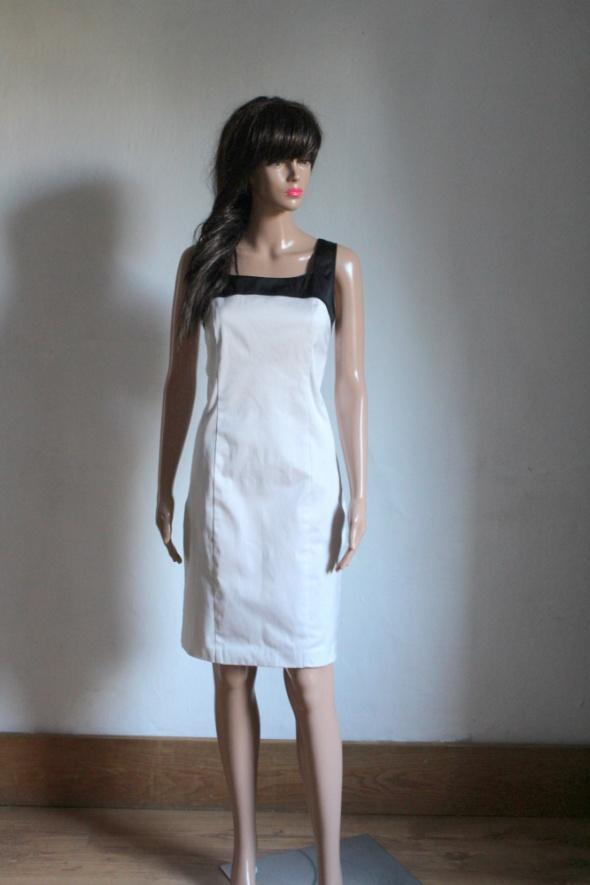 Prosta sukienka na ramiączkach biała dekoracyjne plecy r M...