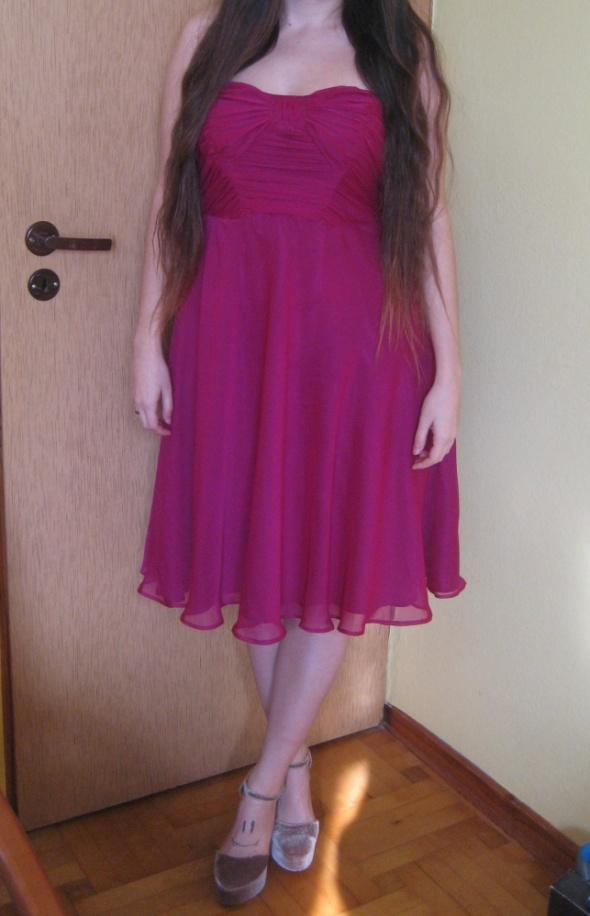 Fioletowa lejąca się sukienka...