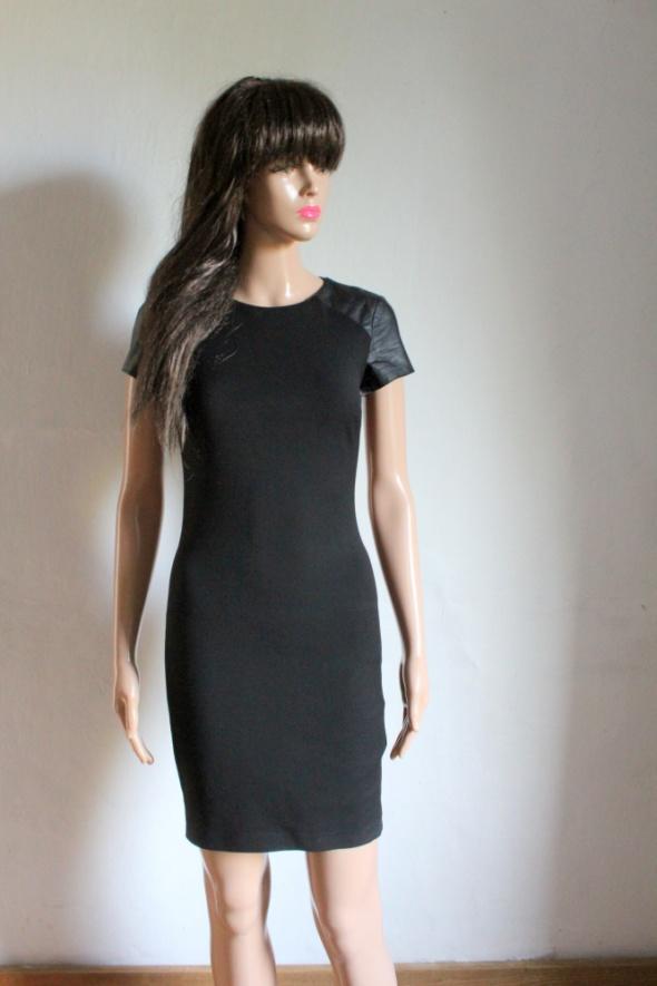 Czarna dopasowana sukienka mała czarna r XS...
