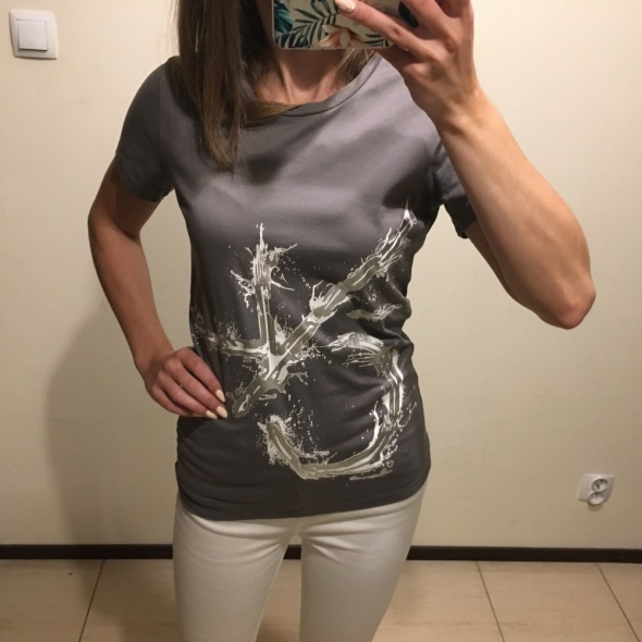 T shirt Calvin Klein...