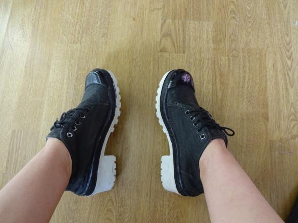 Sneakersy creepy biała platforma 38