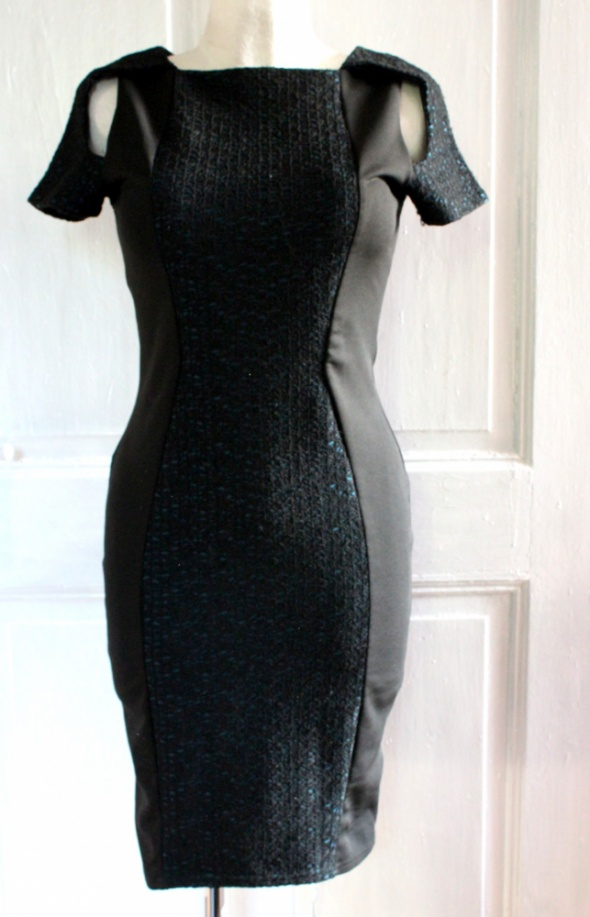 Elegancka dopasowana sukienka r L...