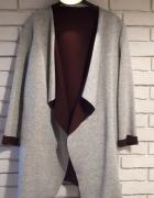 Płaszcz narzutka szary z burgundem styl zara