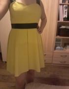 Asymetryczna sukienka w kolorze słońca...