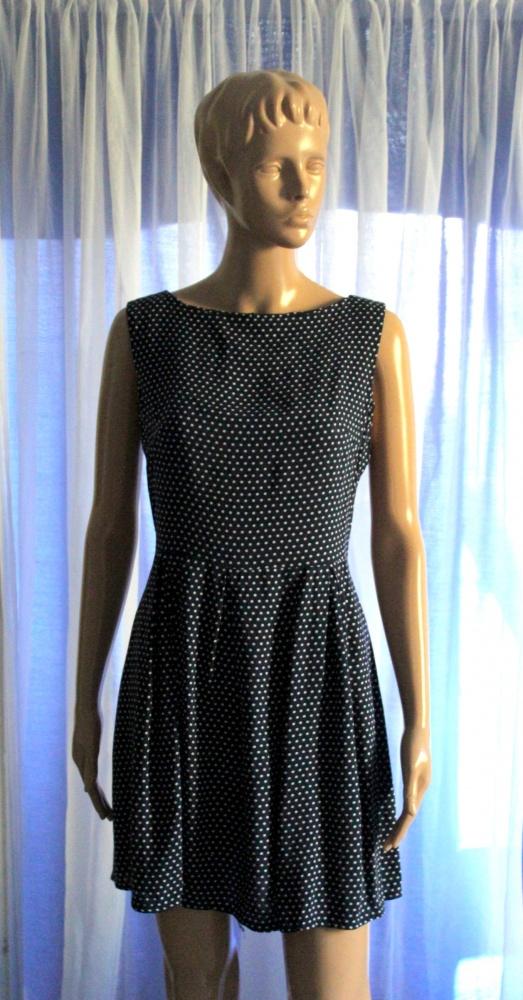 Granatowa sukienka w białe kropki odcinana w talii r M...