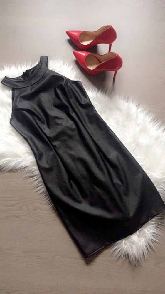 Skórzana sukienka dopasowana wąska skóra czarna SM