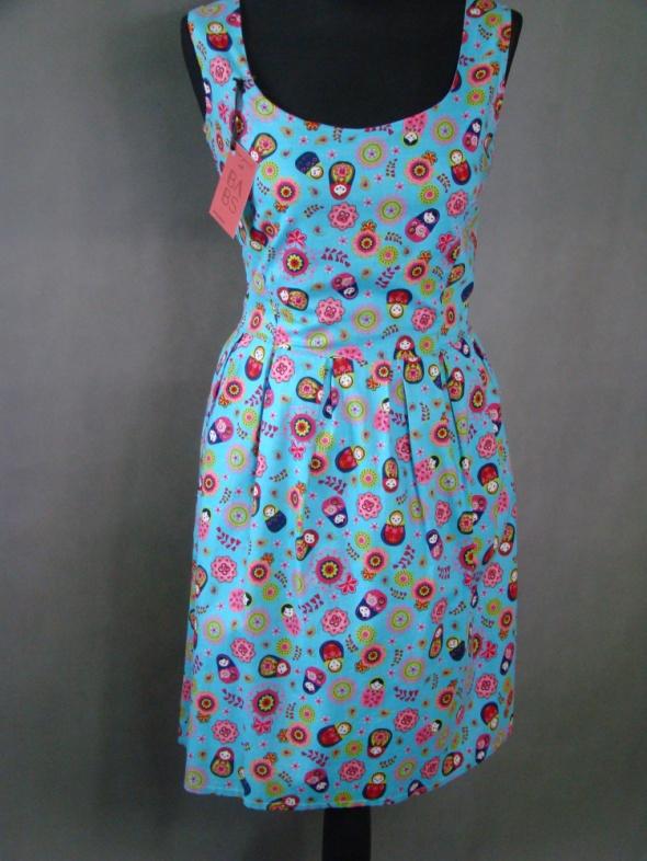 Sukienka w matrioszki
