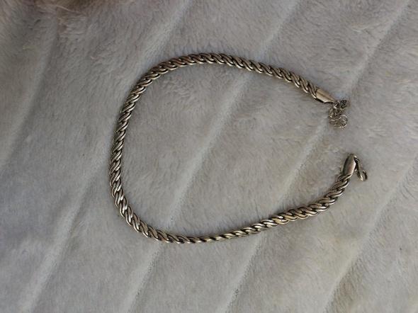 srebrny naszyjnik...