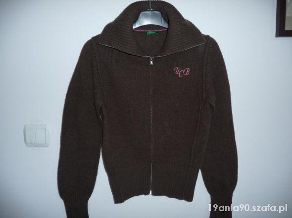 Brązowy sweter UCoB...