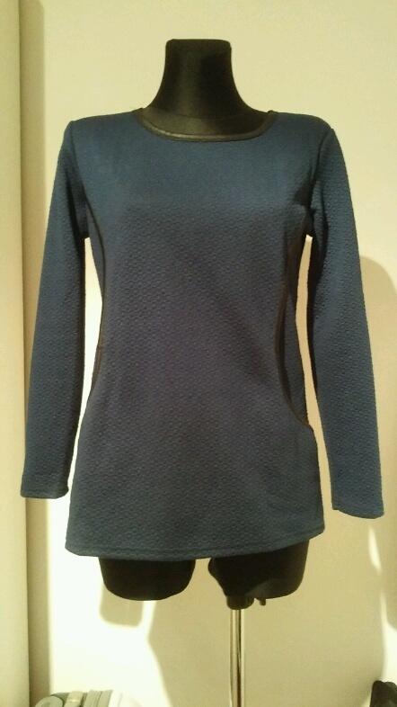 Granatowa pikowana bluza ML