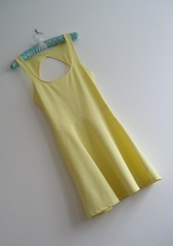 sukienka fakturowa Bershka 36 38