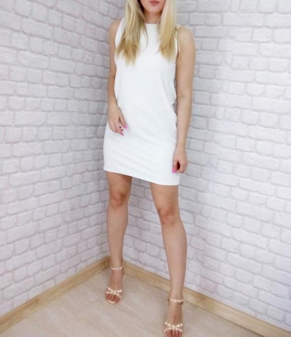Suknie i sukienki biała sukienka imperial dekolt woda plecy dopasowana