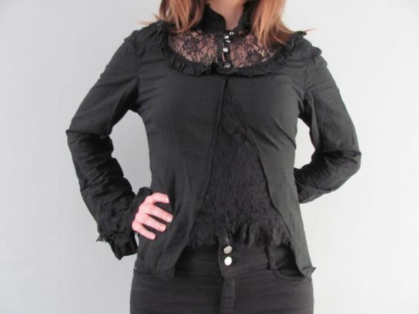 Czarna bluzeczna victorian goth gothic lolita z falbankami i koronkami