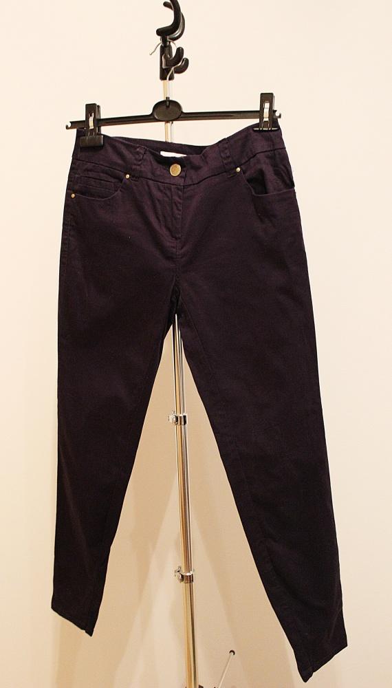 Granatowe dopasowane eleganckie spodnie Promod...