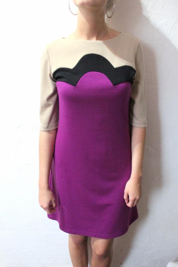 Elegancka sukienka fioletowa rękawki trzy czwarte r M...